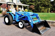 2009 New Holland T1510 with 110TL loader,  just 117 hrs